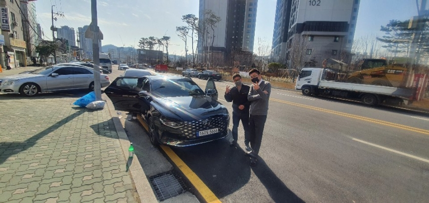 (주)미소건영 차량출고 기념사진.jpg